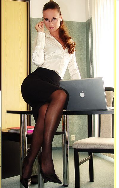 Horny Office Babes password